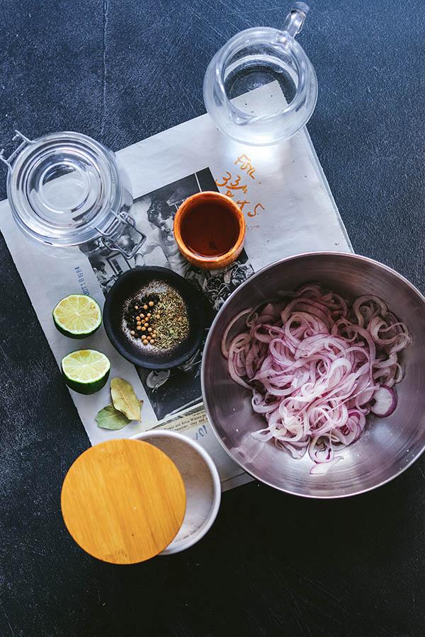 Cómo preparar las cebollas encurtidas