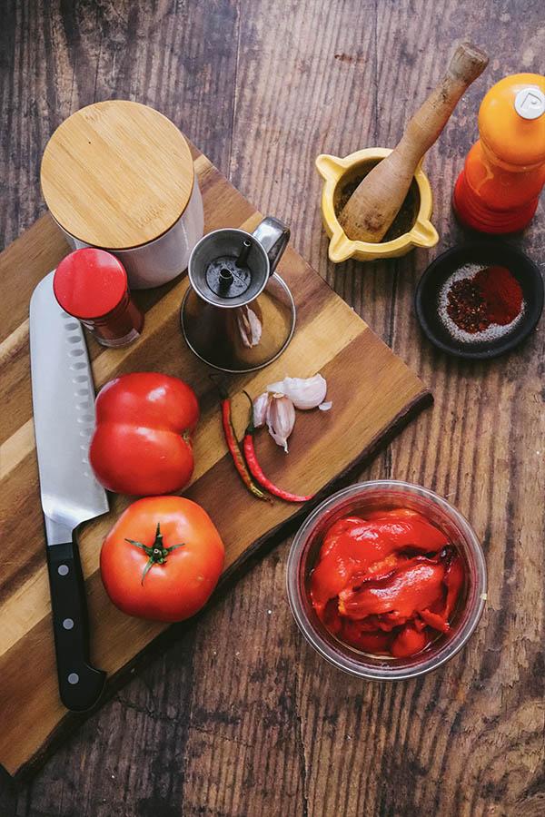 Ingredientes para la pasta harissa