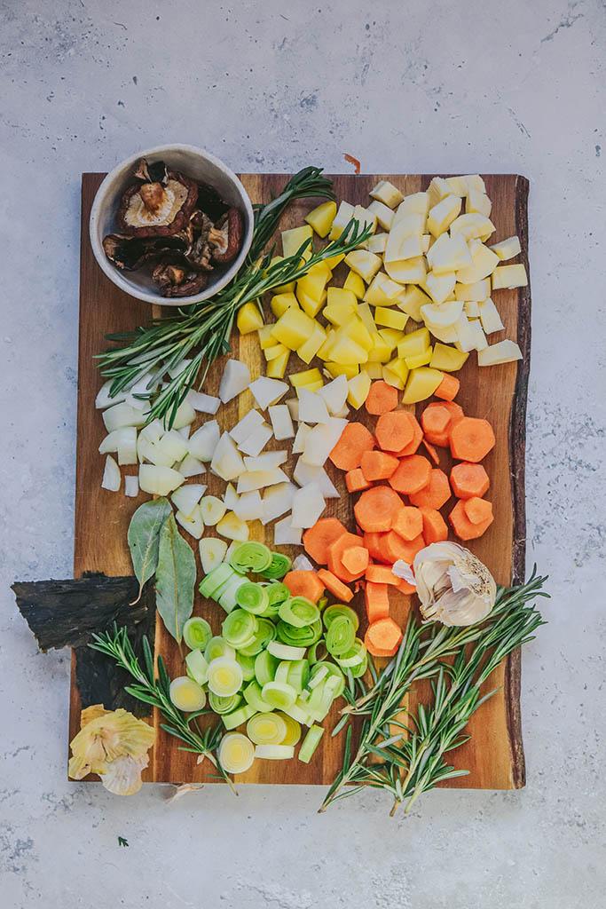 caldo casero de verduras fácil